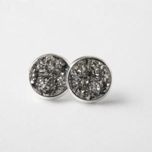 Druzy stud earrings - druzy style e..